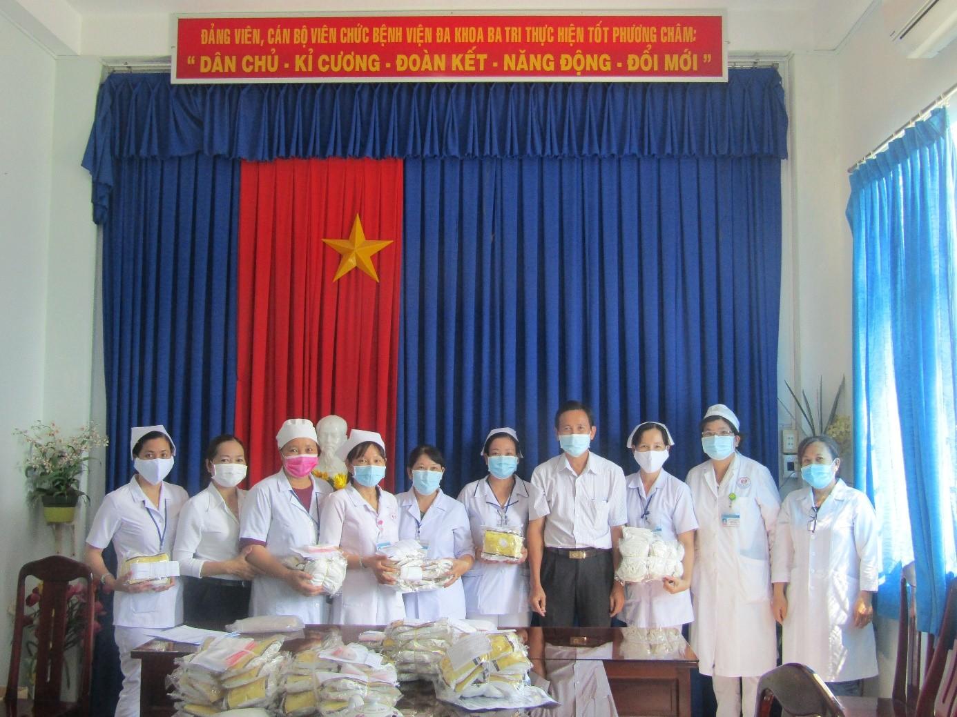 Công đoàn cơ sở Bệnh viện Đa khoa khu vực Ba Tri tổ chức các biện pháp phòng chống dịch Covid-19